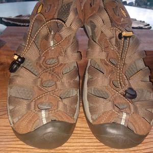 Keen Whisper Sandals women's size 9.5